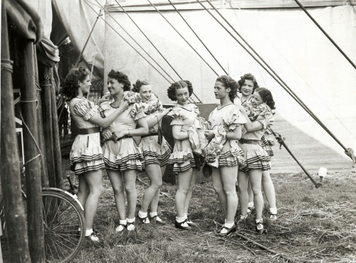 Bertram Mills' Circus performers, August 1939. Courtesy of Royal Pavilion & Museums, Brighton & Hove