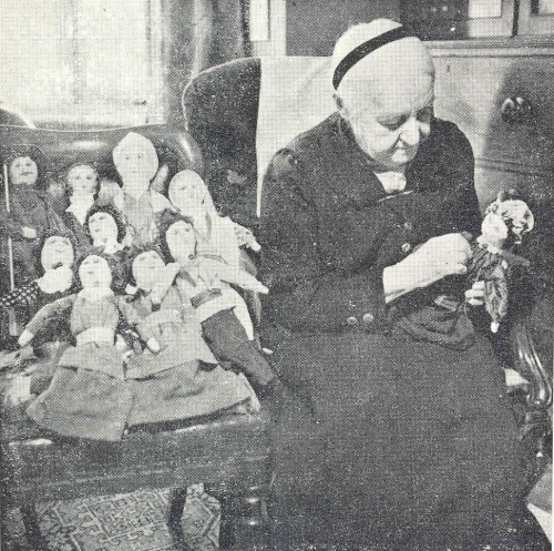 Copyright National Trust. Maude Robinson in her later years.  As a young child she had been taught at home by a German governess, later she went to a private boarding school in Lewes.